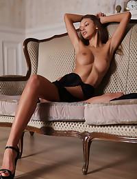 Elin nude in erotic MIDEVE gallery