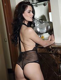 Elouisa nude in erotic RENISA gallery - MetArt.com
