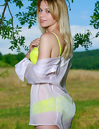 Elisa Liv nude in glamour ALUTTA gallery - MetArt.com