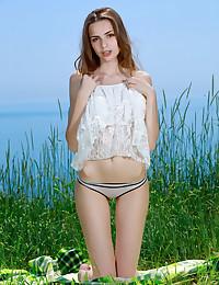 Elle Tan nude in softcore OCEANFRONT gallery - MetArt.com