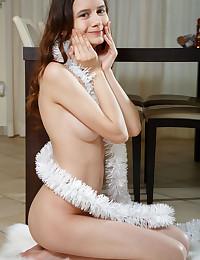 Eiby Glisten nude in erotic UNWRAPPED gallery - MetArt.com