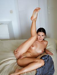 Jasmine Jazz nude in erotic SIMPLY SLEEK gallery - MetArt.com