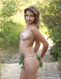 Erotic Beauty - Naturally Beautiful Fledgling Nudes
