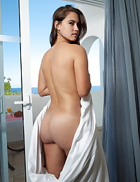 Nina Sphinx nude in erotic SOLO BRUNCH gallery