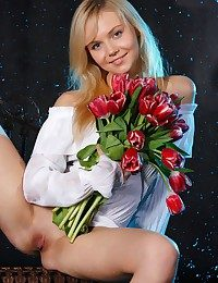 Smallish and juvenile platinum-blonde beside Top model quality.