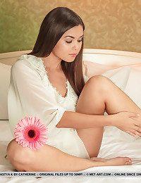 Nastya K Apart from Catherine - OCCHIALI