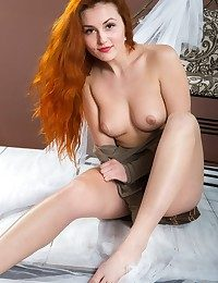 Softcore Sweetheart - Naturally Spectacular Inexperienced Nudes