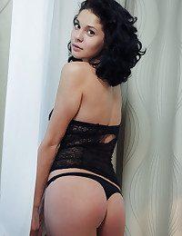 Callista B naked in erotic DESALTO gallery