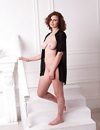 Glamour Cutie - Naturally Gorgeous Inexperienced Nudes