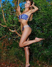 Milenia bare in glamour CEOLLA gallery - MetArt.com