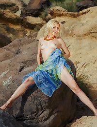 Janelle B naked in glamour RIHENA gallery - MetArt.com