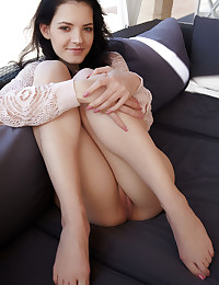 Anie Darling bare in glamour JADENI gallery - MetArt.com