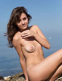 Glamour Cutie - Naturally Spectacular Inexperienced Nudes