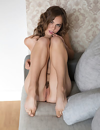 Gracie naked in softcore REVEA gallery - MetArt.com