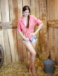 Lauren Crist bare in erotic GIOLET gallery