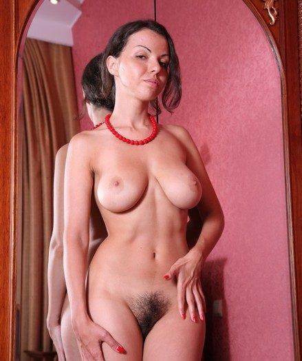 голые небритые женщины фото