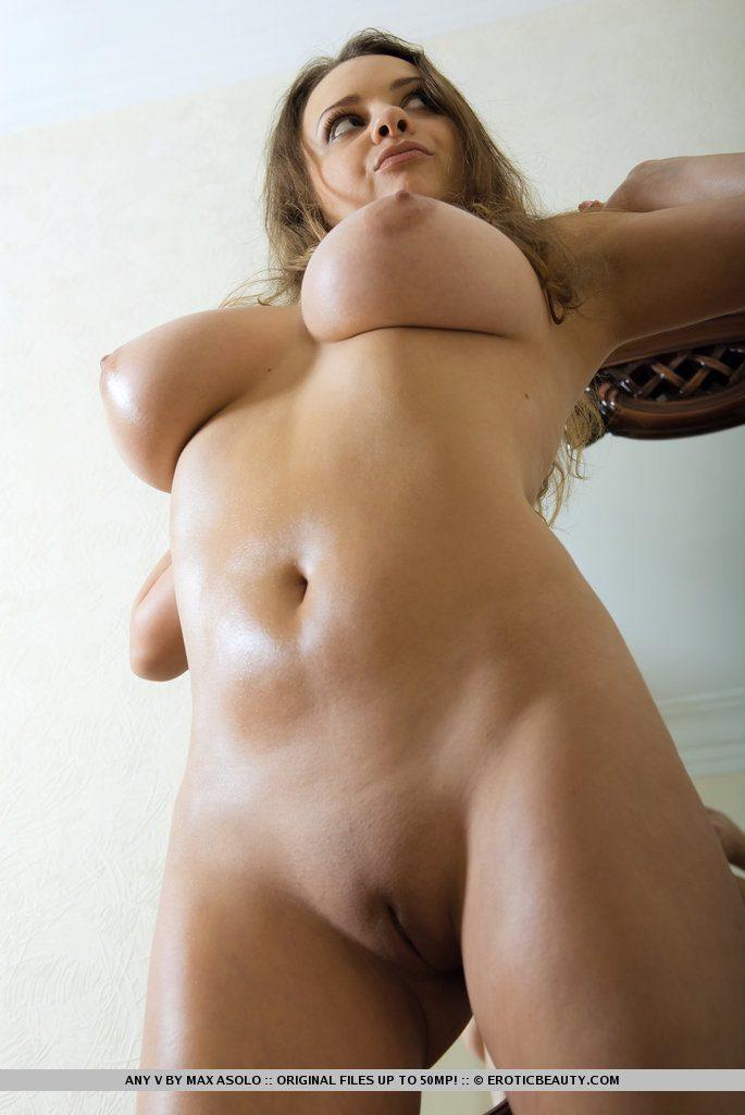 Фото голые письки большие сиськи европейских девушек